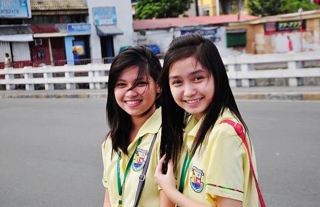 菲律賓的年輕女孩們
