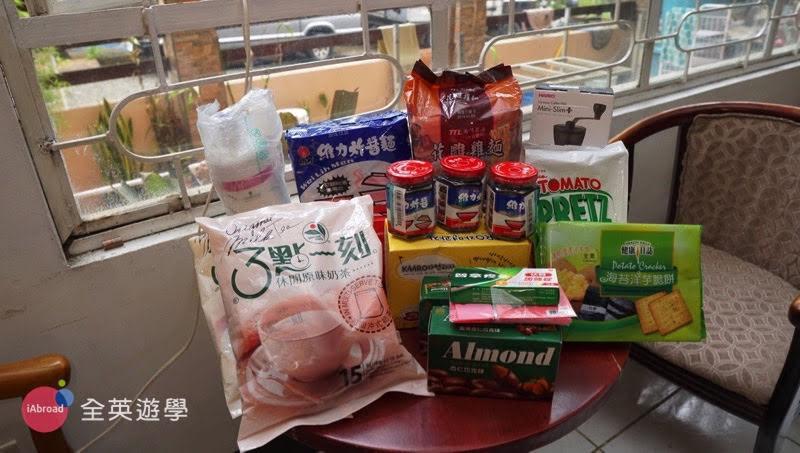 ▲3點一刻奶茶韓國同學超愛的~ 維力炸醬、花雕雞麵、虹吸式塞風咖啡壺....每一樣都能為生活帶來小確幸!
